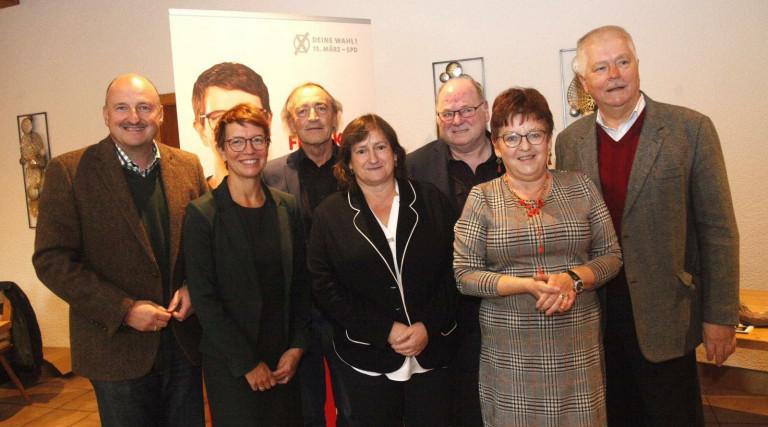 Bild v.l.n.r: Bernd Rützel, Karin Frankerl, Franz Schindler, Marianne Schieder, Xaver Bräu, Brigitte Scharf, Reinhold Strobl